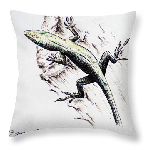 Ink Sketch Throw Pillow featuring the drawing The Green Lizard by Katharina Filus