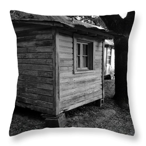 Cracker Cabin Throw Pillow featuring the photograph The Guest Room by David Lee Thompson