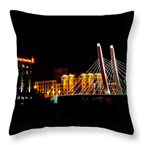 Iron Horse Throw Pillow featuring the photograph The Iron Horse And 6th Street Bridge by Susan McMenamin