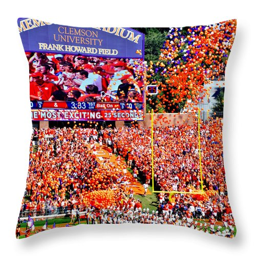 Acc Throw Pillow featuring the photograph The Most Exciting 25 Seconds by Jeff McJunkin