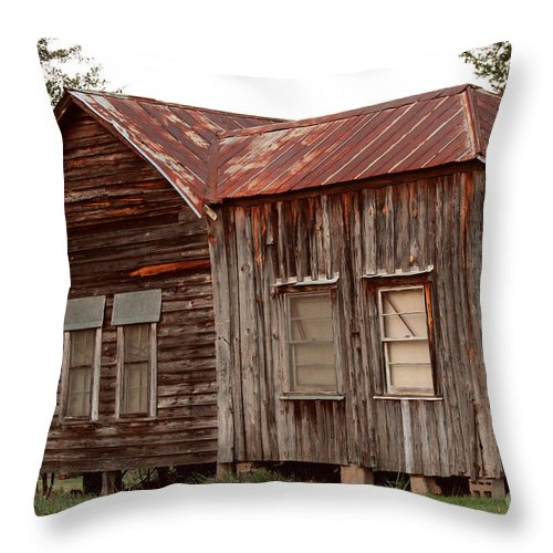 Old Homeplace Throw Pillow featuring the photograph The Old Homeplace by Kathy White