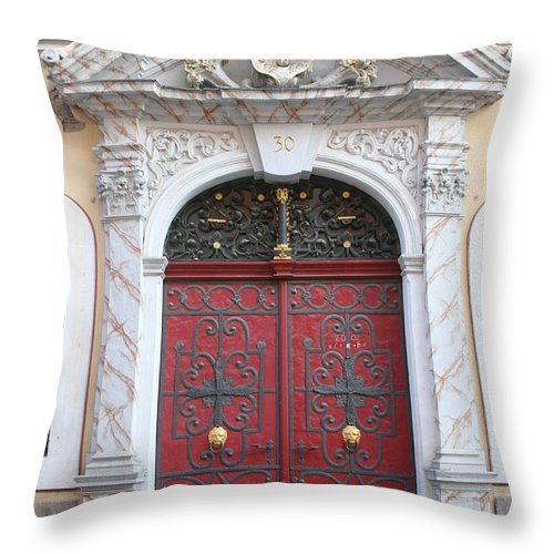 Door Throw Pillow featuring the photograph The Red Door by Christiane Schulze Art And Photography