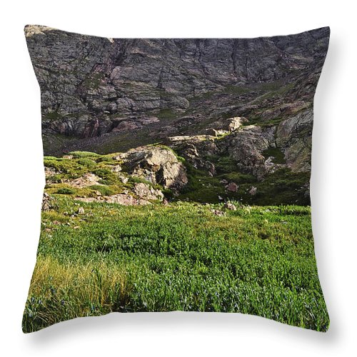 Colorado Throw Pillow featuring the photograph The Red Gully by Aaron Spong