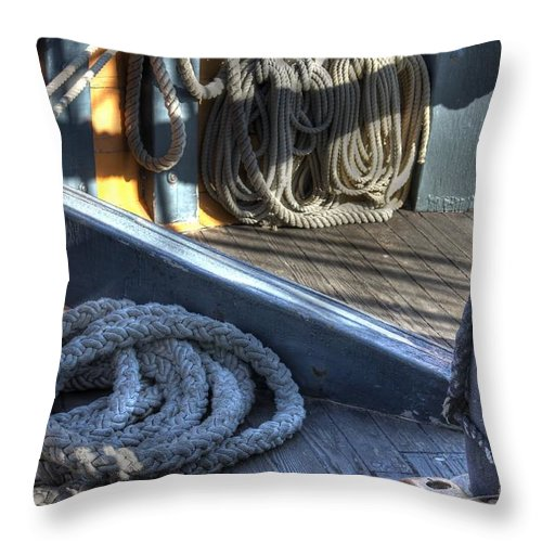 Rope Throw Pillow featuring the photograph The Ropes by Jane Linders