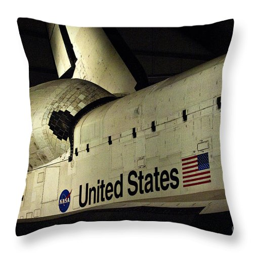 Space Shuttle Endeavour Throw Pillow featuring the photograph The Space Shuttle Endeavour 12 by Micah May