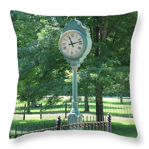Familyfourphoto Throw Pillow featuring the photograph The Town's Clock by Brenda Donko