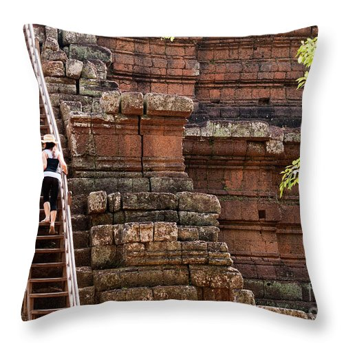 Tourist Throw Pillow featuring the photograph The Way Up by Rick Piper Photography