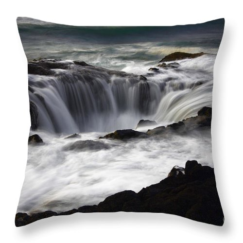 Thors Well Throw Pillow featuring the photograph Thors Well by Bob Christopher