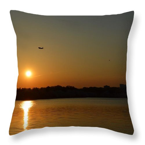 Tidal Basin Sunset Throw Pillow featuring the photograph Tidal Basin Sunset by Sonali Gangane