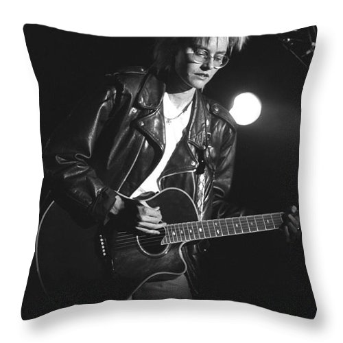 Singer Throw Pillow featuring the photograph Til Tuesday - Aimee Mann by Concert Photos