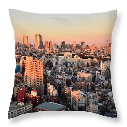 Tokyo Tower Throw Pillow featuring the photograph Tokyo Cityscape At Sunset by Keiko Iwabuchi