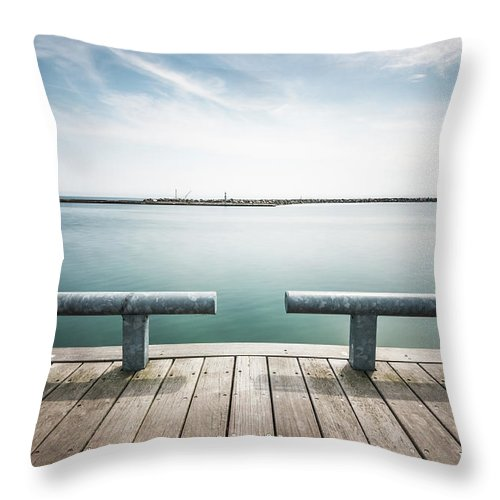 Scenics Throw Pillow featuring the photograph Torontos Lakeside by Www.piotrhalka.com