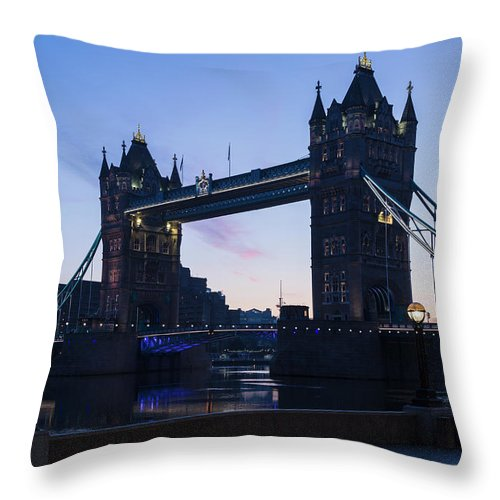 English Culture Throw Pillow featuring the photograph Tower Of London At Dawn by P A Thompson