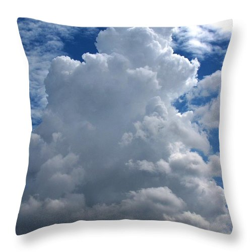 Nature Throw Pillow featuring the photograph Towering Cu by Matt Taylor