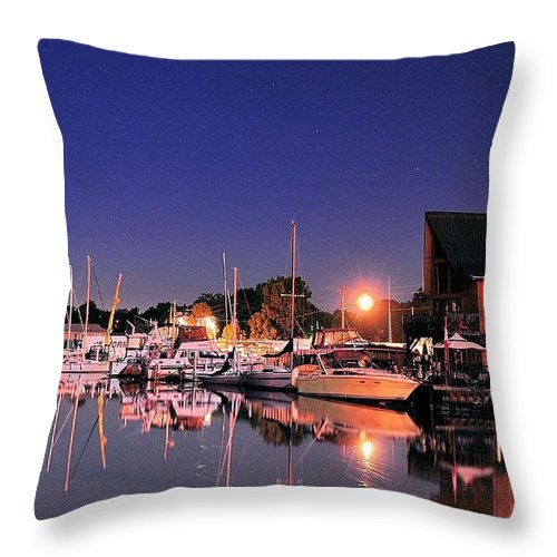 Water Throw Pillow featuring the photograph Tracybphotography by Tracy Bennett