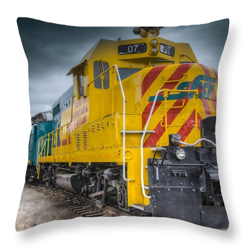 Santa Fe Southern Railway Engine Throw Pillow featuring the photograph Santa Fe Southern Railway Engine by Gej Jones