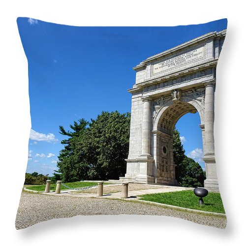 Valley Forge Throw Pillow featuring the photograph Triumph And Sorrow Arch by Olivier Le Queinec
