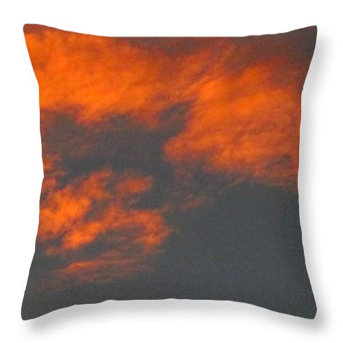 Sky Throw Pillow featuring the photograph Twilight 3 by Randall Weidner