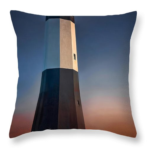 Lighthouse Throw Pillow featuring the photograph Tybee Island Lighthouse by Linda D Lester