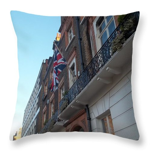 London Throw Pillow featuring the photograph Union Jack by James Potts