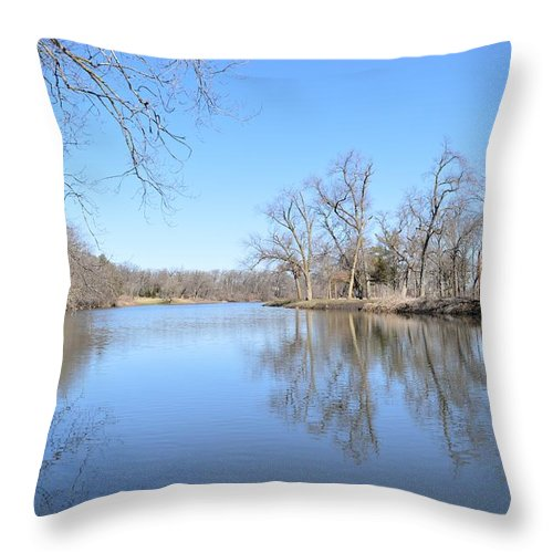 River Throw Pillow featuring the photograph Upper Iowa by Bonfire Photography