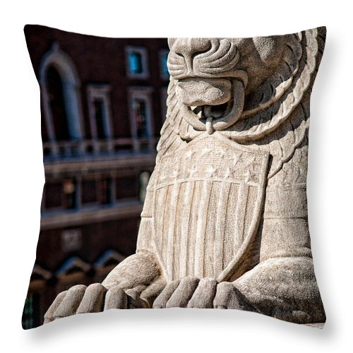 Lion Throw Pillow featuring the photograph Urban King by Kristi Swift