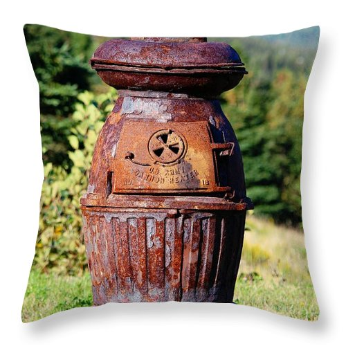 Us Army Cannon Heater No 18 Throw Pillow featuring the photograph Us Army Cannon Heater No 18 by Barbara Griffin