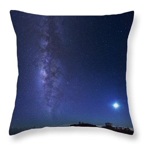Tranquility Throw Pillow featuring the photograph Usa, Hawaii, Maui, Milky Way by Michele Falzone