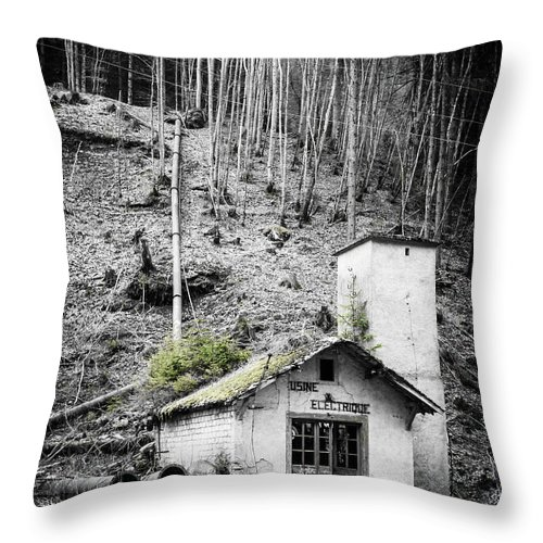 Mother Nature Throw Pillow featuring the photograph Usine Electrique Au Naturale by Silken Photography