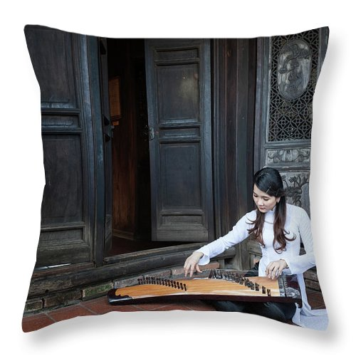 Three Quarter Length Throw Pillow featuring the photograph Vietnamese Ao Dai Playing Orchestra by Jethuynh