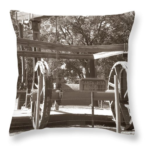 Vintage Oil Rig Throw Pillow featuring the photograph Vintage Oil Rig Santa Rita No. 1 by Connie Fox