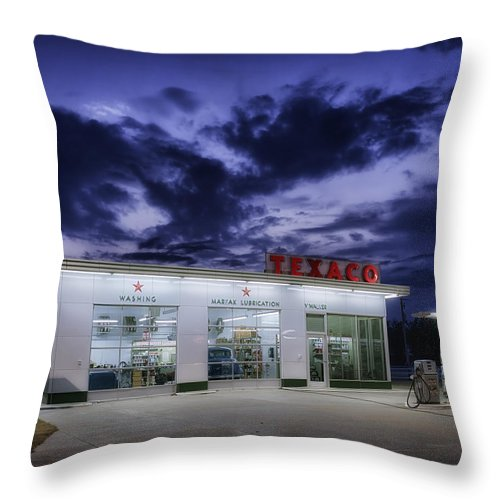 Service Station Throw Pillow featuring the photograph Vintage Service Station In Arkansas by Mountain Dreams