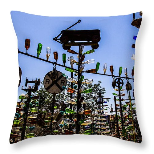 Bottleneck Ranch Throw Pillow featuring the photograph Wagon by Angus Hooper Iii