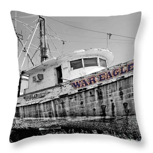 Alabama Throw Pillow featuring the digital art War Eagle Born Free by Michael Thomas