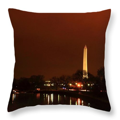 Washington Throw Pillow featuring the photograph Washington Monument by Robert McCulloch