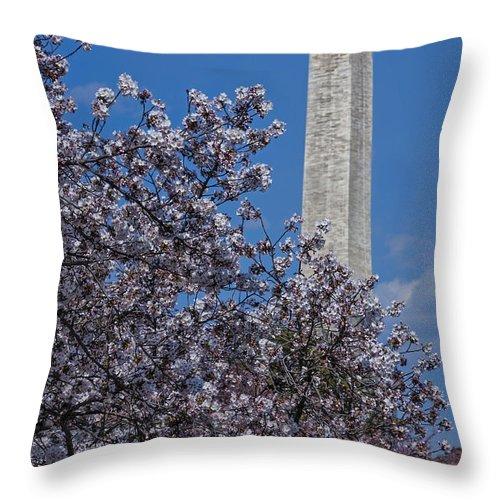 Washington Throw Pillow featuring the photograph Washington Monument by Susan Candelario