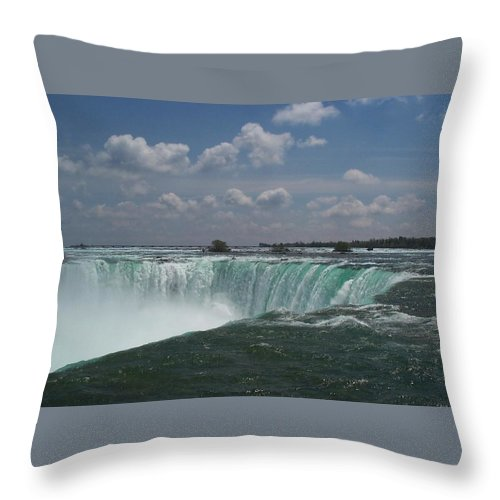 Horseshoe Falls Throw Pillow featuring the photograph Water's Edge by Barbara McDevitt