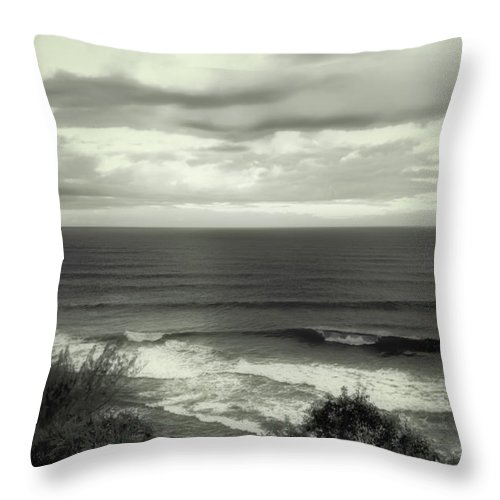 Dusk Throw Pillow featuring the photograph Wave Watching In Black And White - Kauai - Hawaii by Belinda Greb