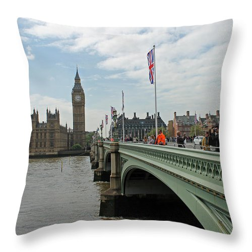 Westminster Bridge Throw Pillow featuring the photograph Westminster Bridge by Tony Murtagh