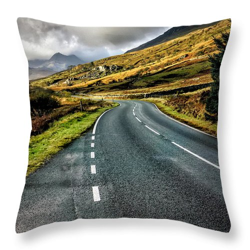 Snowdonia Throw Pillow featuring the photograph Winding Road by Adrian Evans