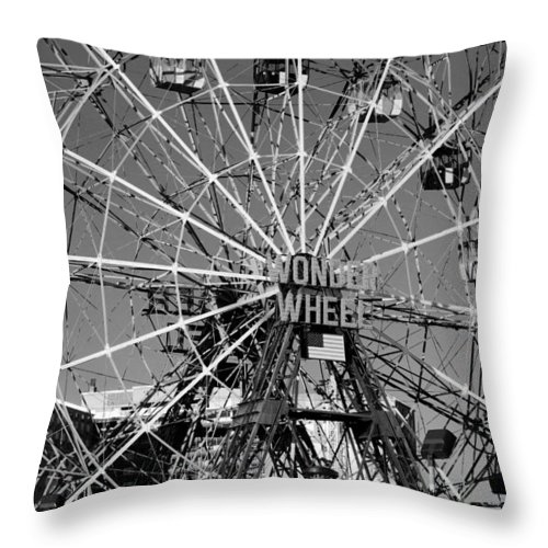 Brooklyn Throw Pillow featuring the photograph Wonder Wheel Of Coney Island In Black And White by Rob Hans