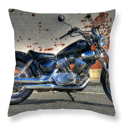 Bike Throw Pillow featuring the photograph Yamaha Virago 01 by Andy Lawless