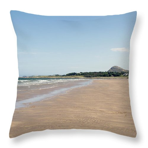 North Throw Pillow featuring the photograph Yellowcraigs At Low Tide by Michelle Bailey