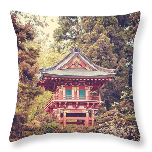 San Francisco Throw Pillow featuring the photograph Zen by Melanie Alexandra Price