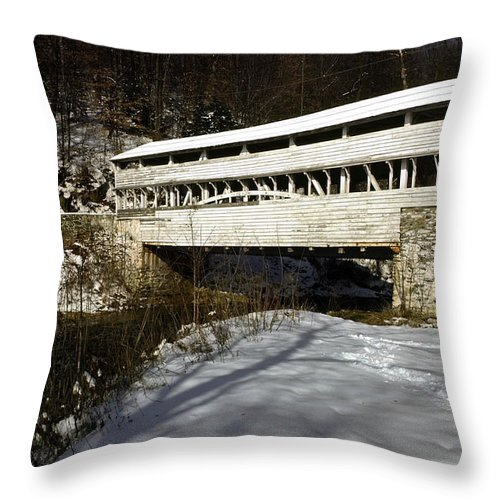 Knox Covered Bridge Throw Pillow featuring the photograph Knox Covered Bridge by Sally Weigand