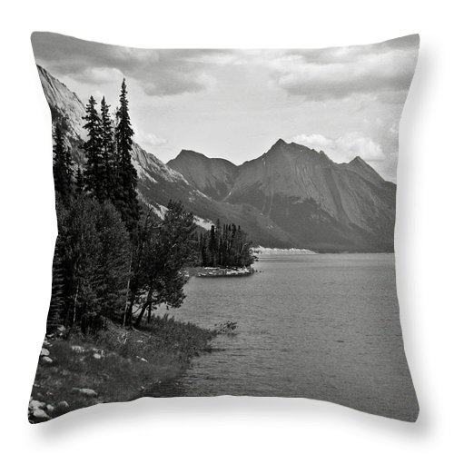B&w Throw Pillow featuring the photograph Maligne Lake by RicardMN Photography