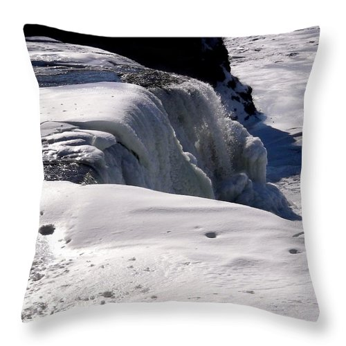 Ice Throw Pillow featuring the photograph Rideau Falls by Stephanie Moore