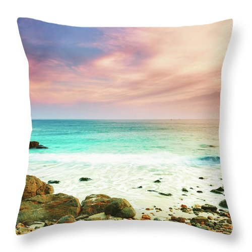 Sea Throw Pillow featuring the photograph Sunrise by MotHaiBaPhoto Prints
