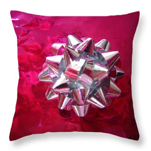 Pink Throw Pillow featuring the photograph A Single Bow by Sarah E Ethridge