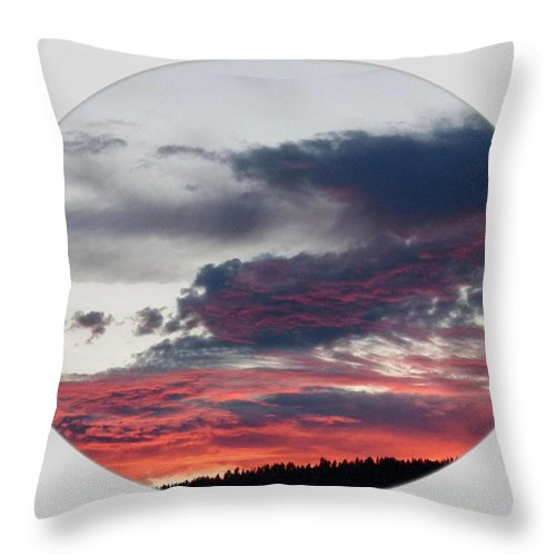 A Splendid Moment Throw Pillow featuring the photograph A Splendid Moment-oval by Will Borden